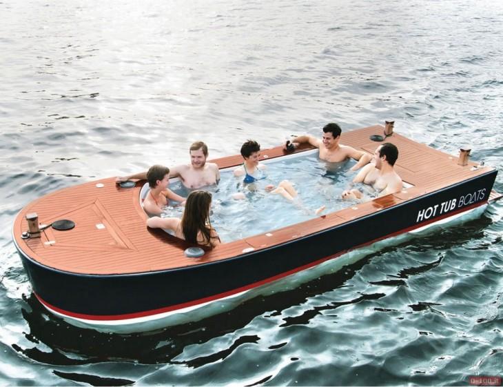 bote con agua caliente que se utuliza en el mar