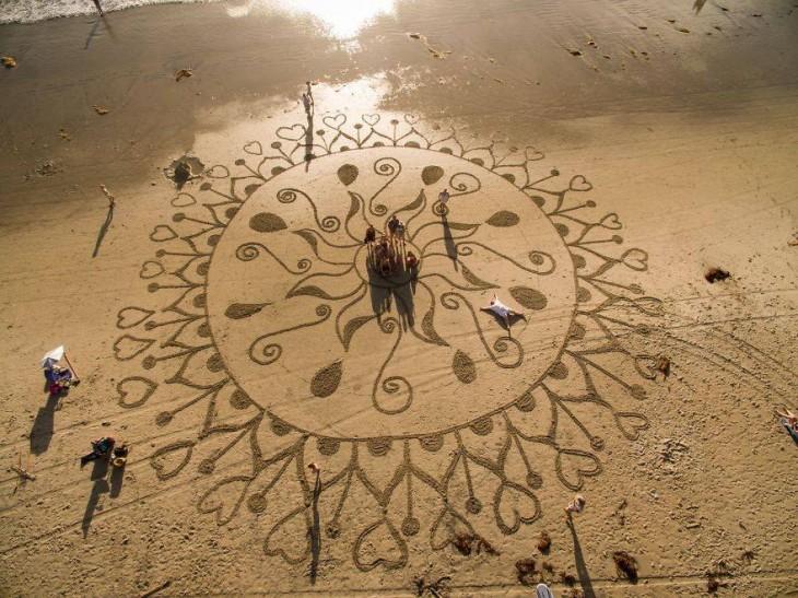 dibujo sobre una playa en Estados Unidos