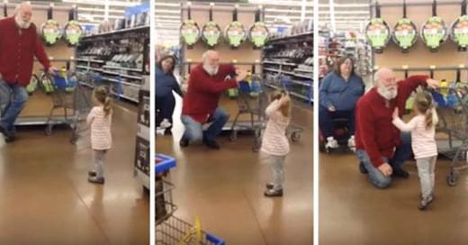 Niña encuentra a SAnta en un supermercado
