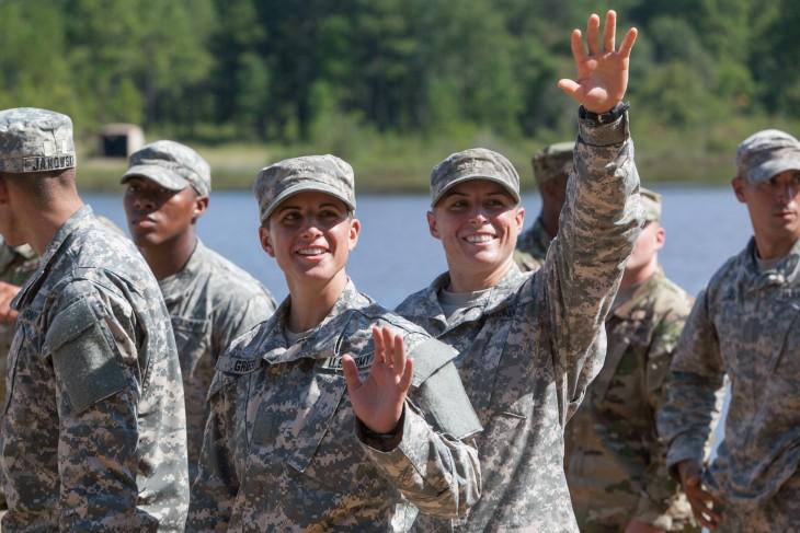 Kristen Griest Y Shaye Haver las primeras mujeres graduadas de la escuela Ranger en Estados Unidos