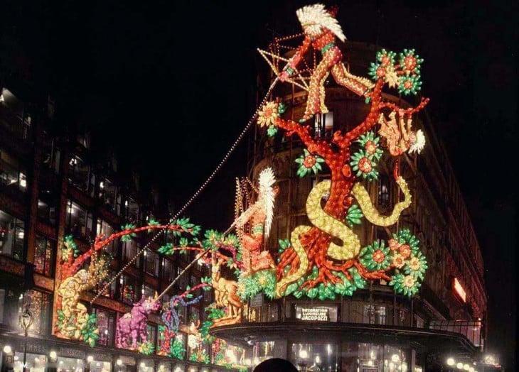 Fotografía de la decoración en París de Noche a principios del siglo XX
