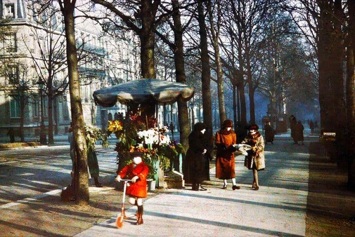 Mujeres en una de las calles de París, 1914