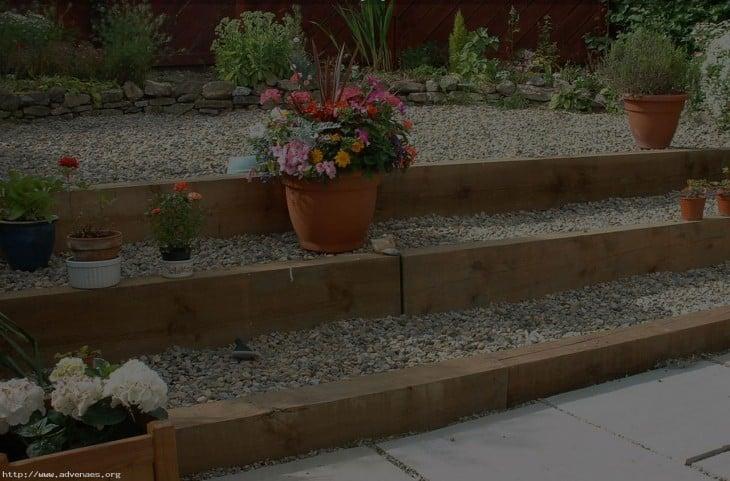 16 ideas para arreglar tu jard n con bajo presupuesto - Gravas para jardin ...