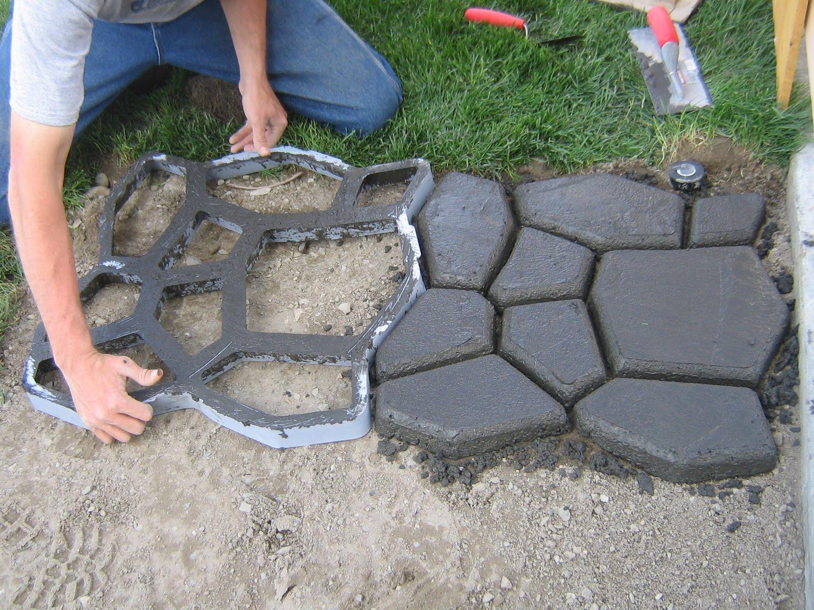 16 ideas para arreglar tu jard n con bajo presupuesto for Piedras para jardin