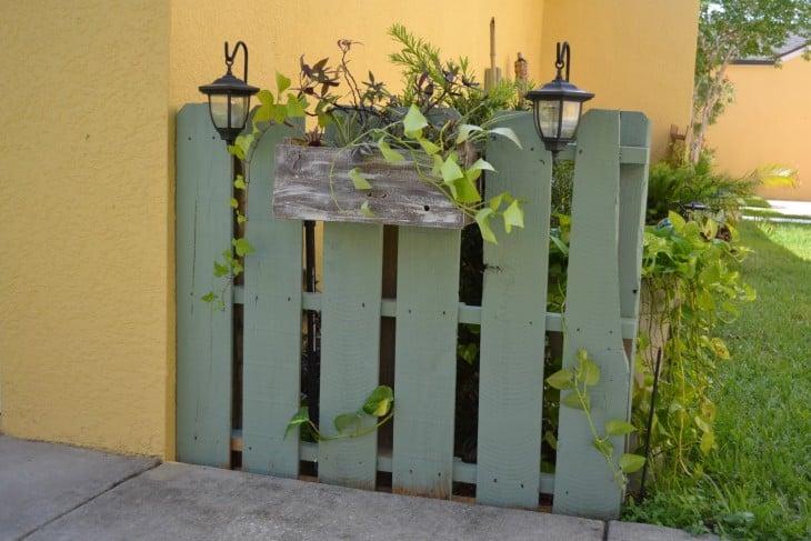 16 ideas para arreglar tu jard n con bajo presupuesto - Rejas para jardin ...