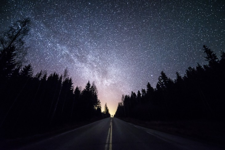 Autopista en Finlandia a cargo del fotógrafo Mikko Lageerstedt