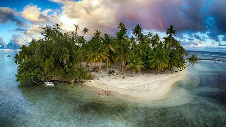 Isla perdida en la Polinesia Francesa