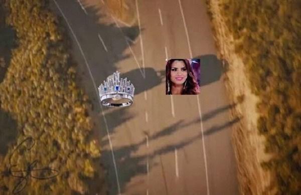 escena final de rápido y furioso donde esta la Miss Colombia y la corona yendo por caminos diferentes