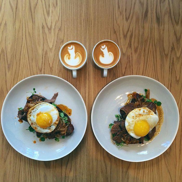 Platillo de carne con huevo simétrico a dos tazas de café