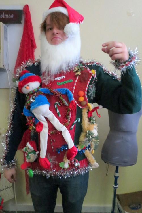 suéter de gnomo horrible