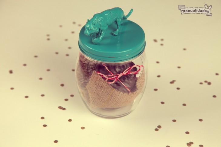 tarro con chocolates para regalar a una amiga