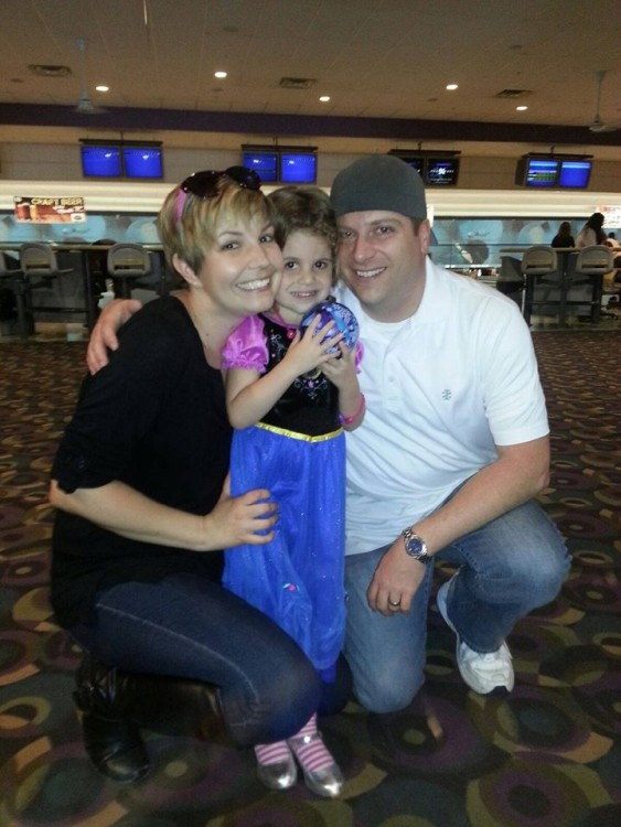 familia de la joven con cáncer de seno