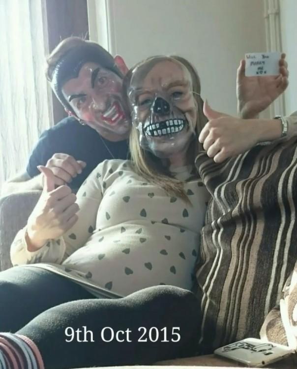 foto con las mascaras de halloween