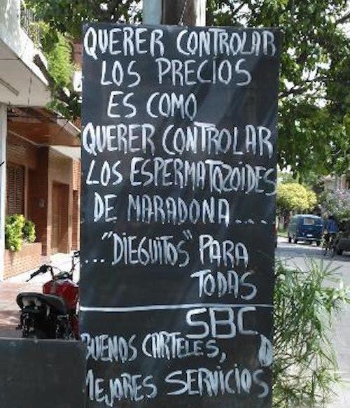 letrero afuera de un negocio donde involucra los espermatozoides de Maradona