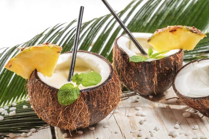 agua de cococ como remedio para la resaca en Bangladesh