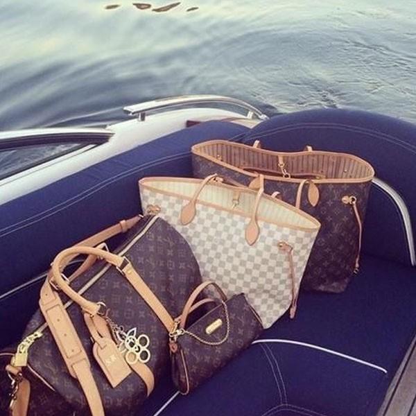 Louis Voutoin bolsas en el oaceano
