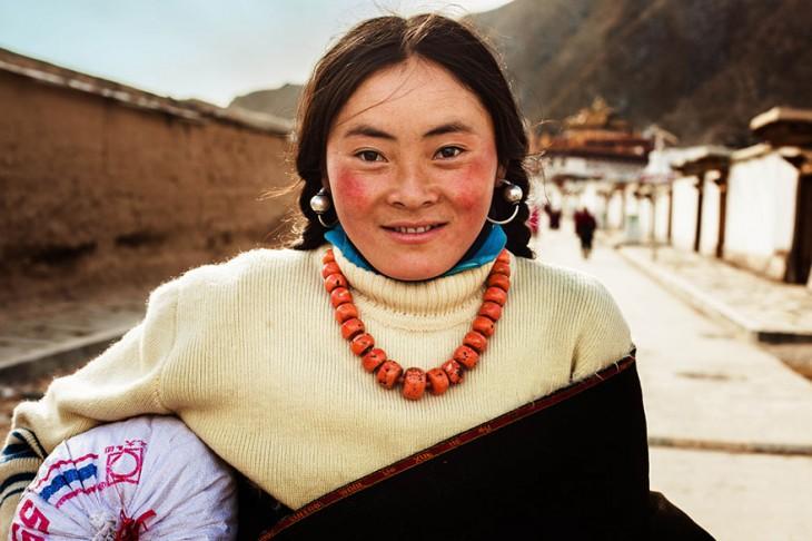 mujer tibetana en china