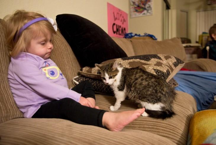 Scarlette y su gato Doc