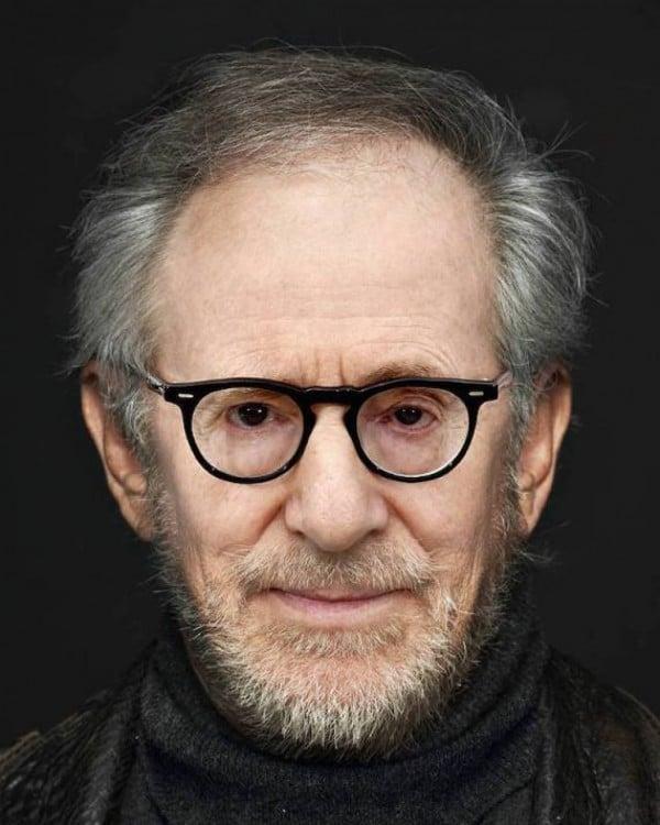 mezcla de las caras de Steven Spielberg y Woody Allen