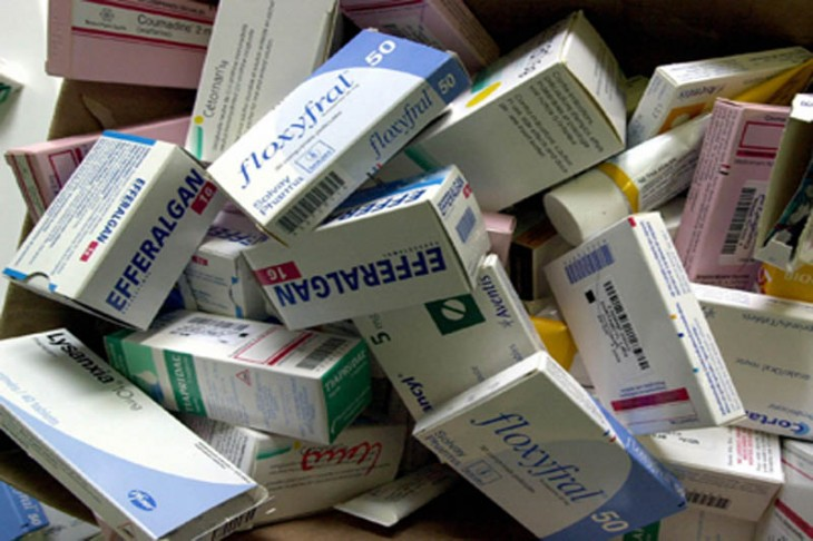 cajas de medicamento caduco
