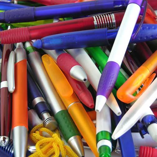 plumas de muchos colores