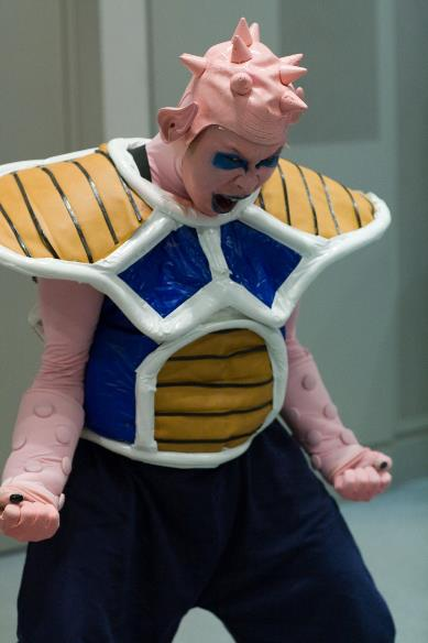 Cosplay fail de dragon ball z del personaje Dodoria