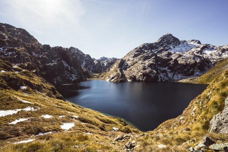 Parque Nacional de Monte Aspiring en Lago Harris en Nueva Zelanda