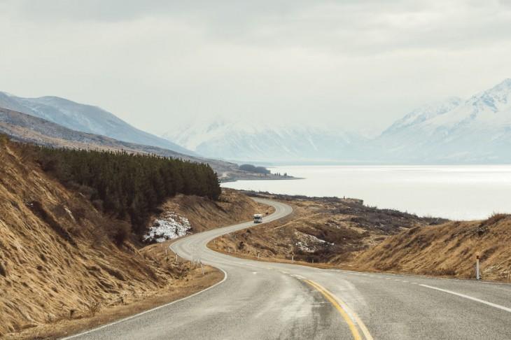 Camino hacia el Monte Cook en Nueva Zelanda