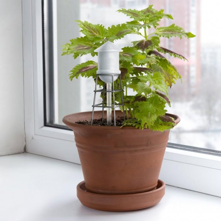 Torre de agua para rellenar automáticamente las plantas