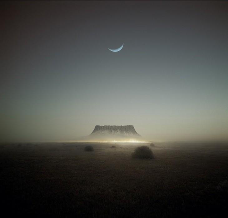Luna sobre un volcán