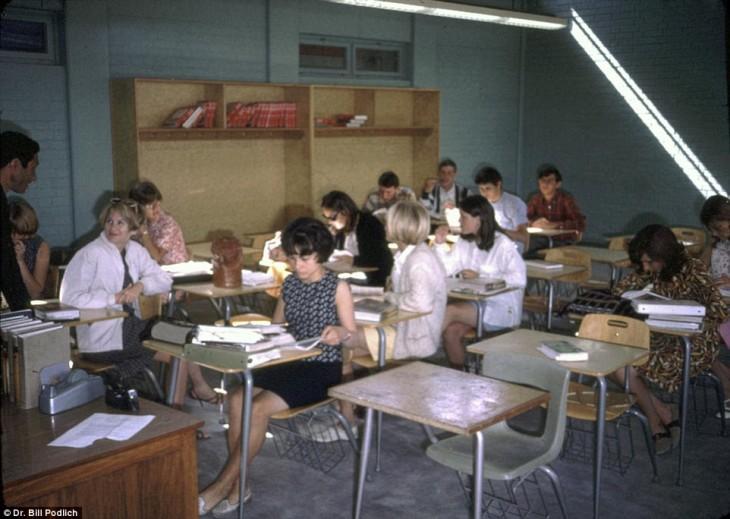 Afganos estudiantes en Afganistán, 1960