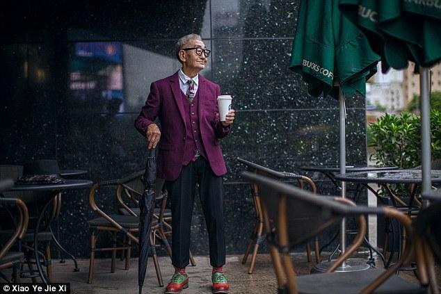 Granjero de 85 años se vuelve icono de la moda en Xiamen, China