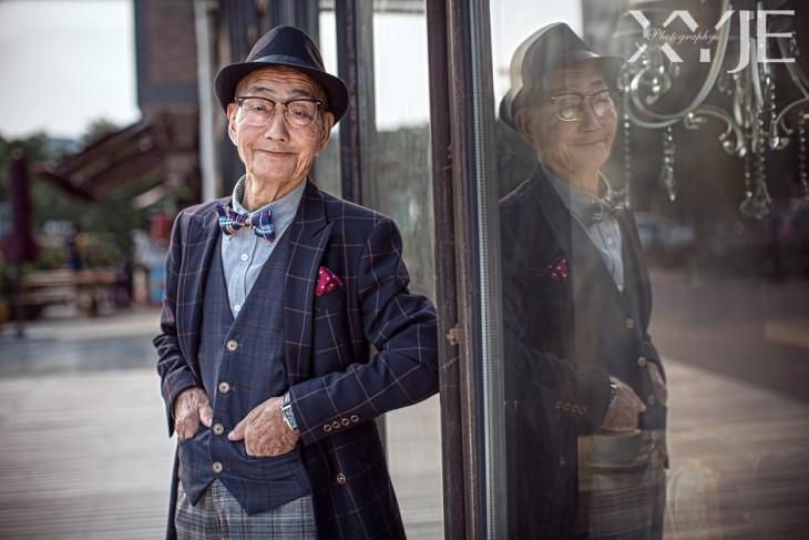 Granjero de 85 años se vuelve viral por un cambio de look