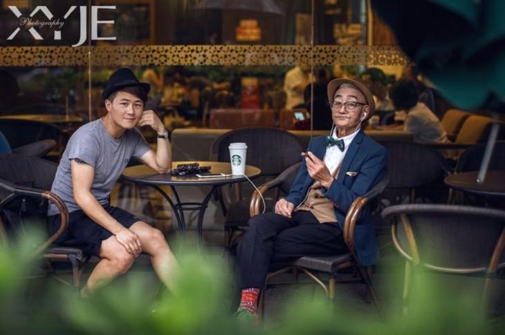 Fotógrafo Xiao Ye Jie Xi a lado de su abuelo de 85 años en Xiamen, China