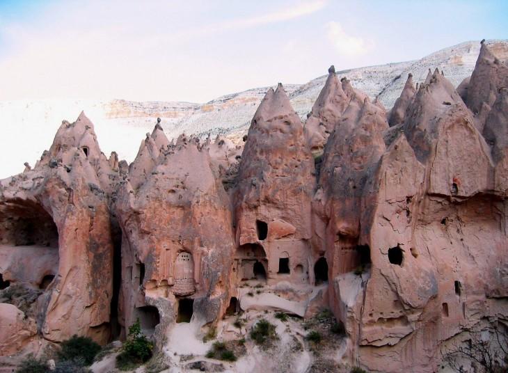 ciudad subterránea en Turquía con una profundidad de 60 metros