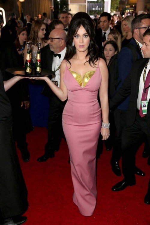 KATY PERRY LOS GOLDEN GLOBES