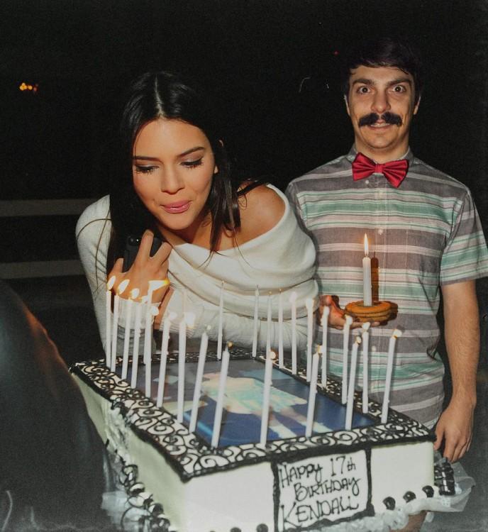 kendall jenner festejando su cumpleaños junto a Kirby