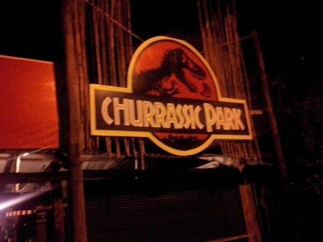 logotipo de un negocio conocido como Churrassic Park