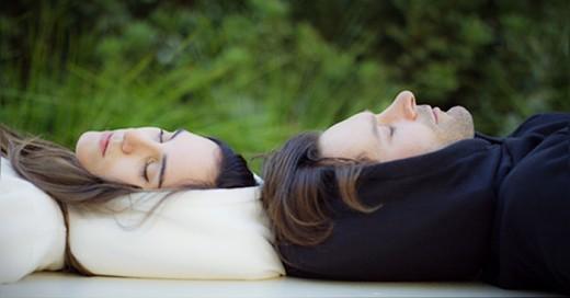 Sudadera de algodón con gorro inflable para dormir en cualquier lugar
