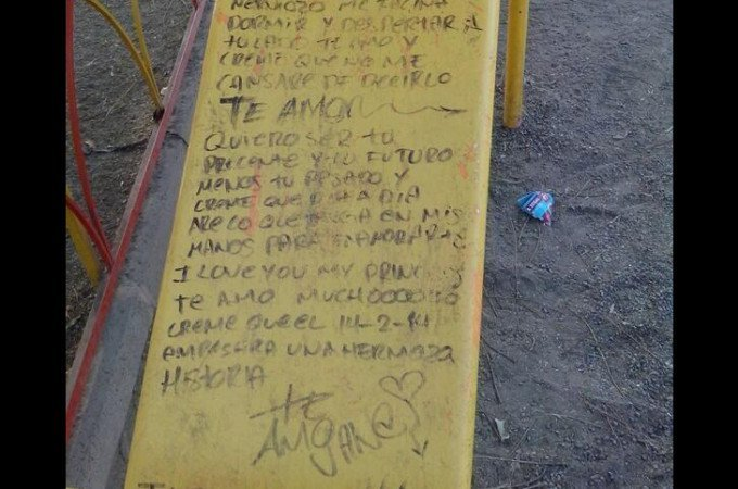 DEMOSTRACIÓN DE AMOR EN UNA RESBALADILLA DEL PARQUE DONDE SE CONOCIERON