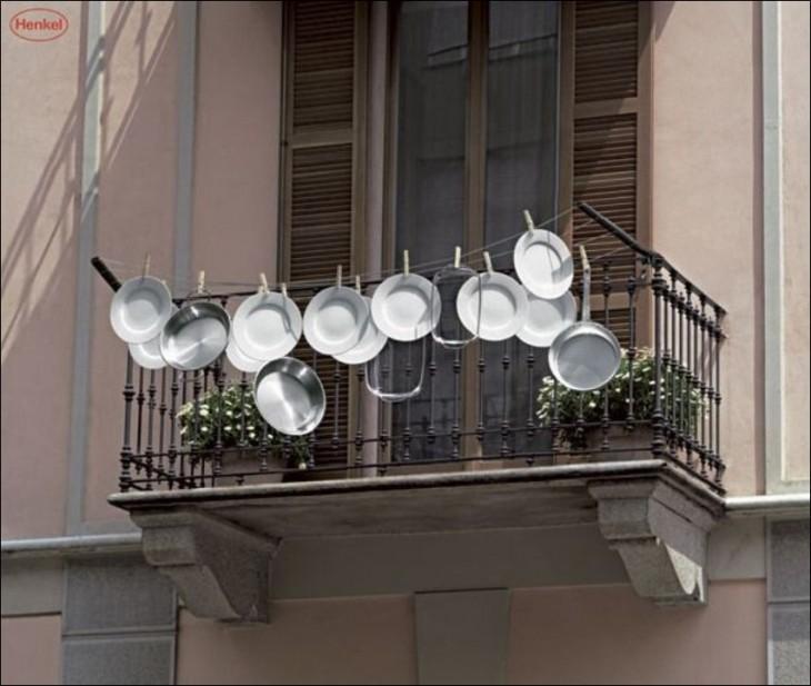 secando los platos al aire libre