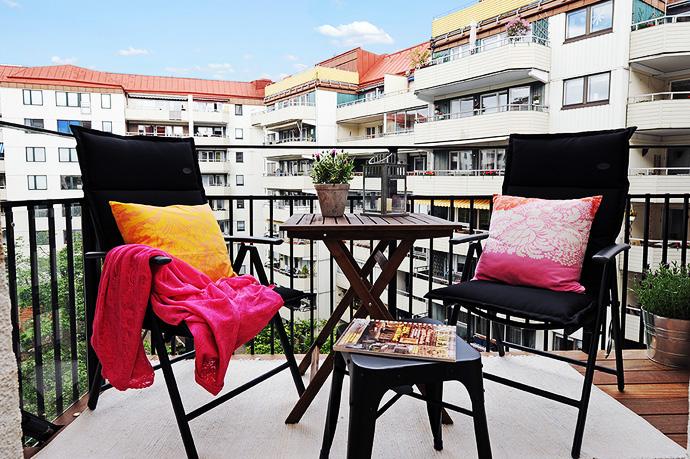 Este es un clásico para los balcones que se encuentran en los condominios residenciales, no necesitan demasiado cuidado y su toque es justo el que un edificio de este tipo requiere para darle un toque de elegancia
