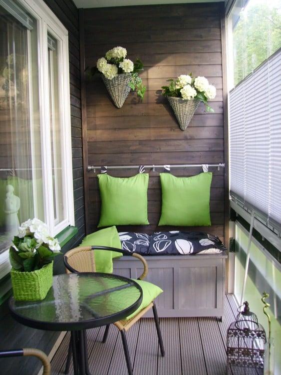 Un balcón con un jardín ecológico siempre funcionará y hará lucir al hogar con bastante clase y estilo.