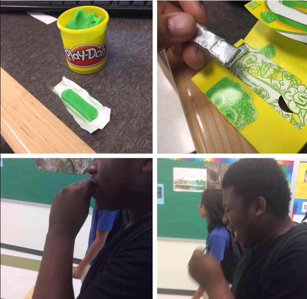 Play doh verde disfrazada con envolturas de chicle