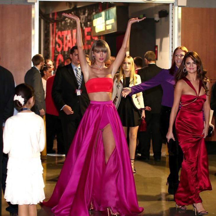 Fotografía de Taylor Swift en el Backstage de los premios Grammy