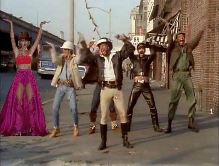 photoshop de Taylor Swift bailando YMCA con el grupo Village People