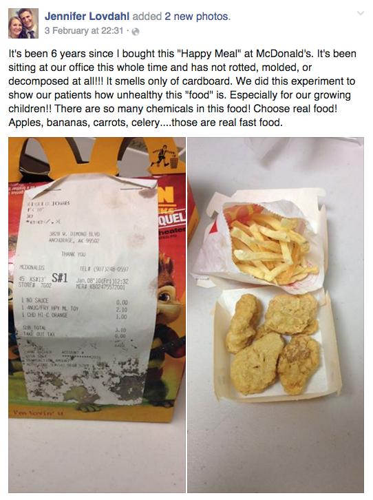 cajita feliz que fue comprada en 2010 y ha sido expuesta en 2016, para demostrar lo malo de la comida rápida norteamericana