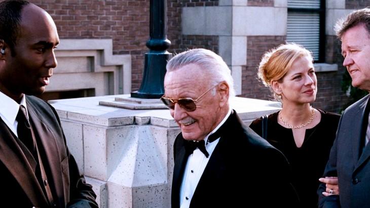 Cameo de Stan Lee en la película de Los 4 fantásticos y silver surfer en el 2007
