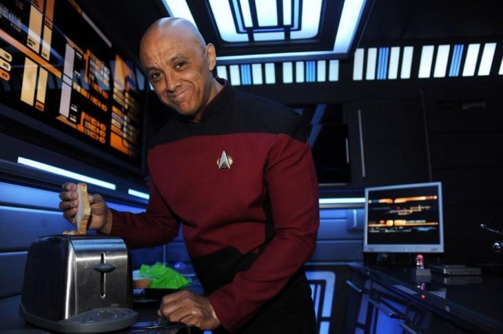 Tony Alleyne propietario de un departamento al estilo Star Trek