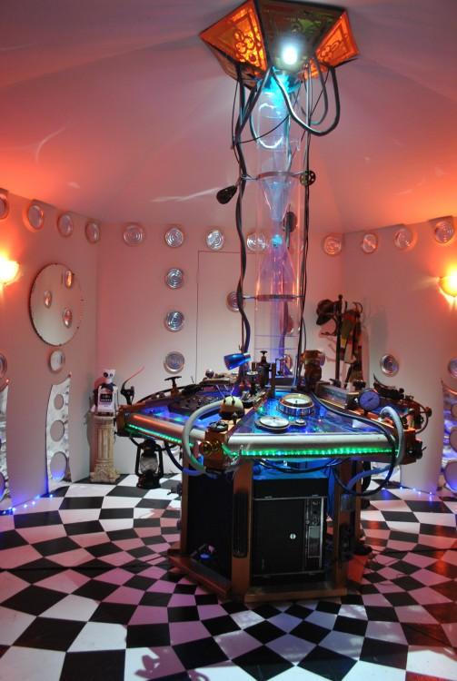 Réplica idéntica de la máquina del tiempo Tardis del Doctor Who